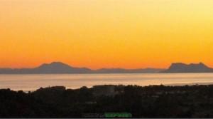 Baugrundstücke mit Blick auf Gibraltar und Marokko. La Panera – Marbella