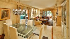 Traumlage, Traumwohnung mit großer Terrasse in Lagos de Sierra Blanca – Marbella
