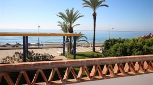 Luxusvilla mit direktem Zugang zum Strand, 1. Strandlinie Torrox Costa